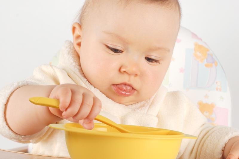 Kids' feeding utensils