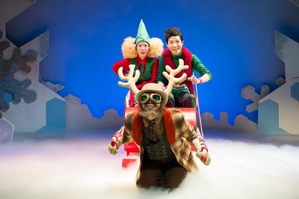 Benjamin Chow, Seong Hui Xuan and Dwayne Tan in TLC's Junior Claus (2014)